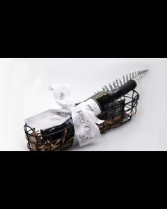 Γιορτινό Καλάθι ESPIEL 2 με Φιάλη Κρασιού «Merlot 2018 Tσιρόπουλος» Βιολογικής Γεωργίας. Διαστάσεις 38x10x11cm