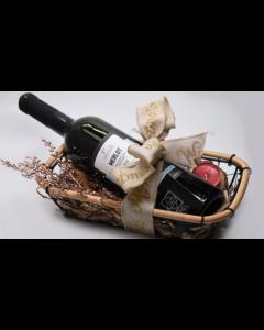 Γιορτινό Καλάθι ESPIEL 5 με Φιάλη Κρασιού «Merlot 2018 Tσιρόπουλος» Βιολογικής Γεωργίας. Διαστάσεις 35x18x12cm